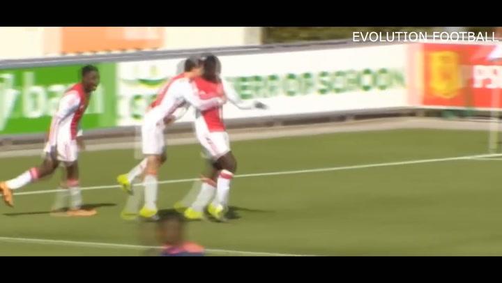 Así juega la perla del Ajax Brian Brobbey