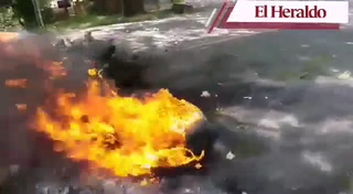 Queman llantas en la salida a Olancho en protesta por falta de agua