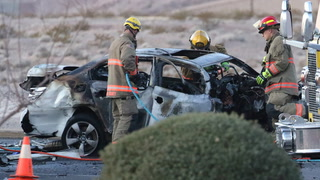 1 person dies in three-vehicle crash in south Las Vegas – VIDEO
