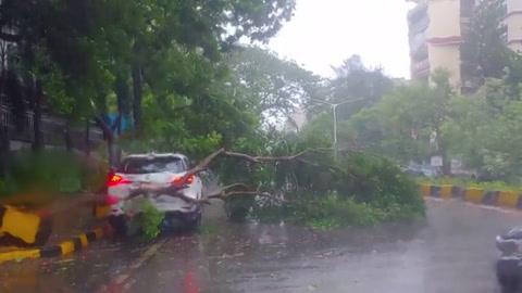 El ciclón Tauktae llega a India en plena crisis por el covid-19