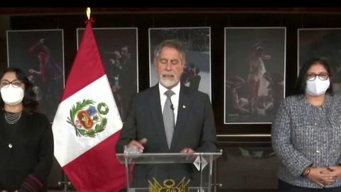 Presidente de Perú rechaza llamado de militares retirados a desconocer elecciones