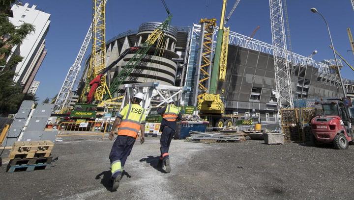 Así van las obras del Santiago Bernabéu con el cierre de las cerchas de la nueva cubierta