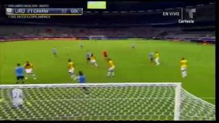 Golazo de Cavani de tijera y Uruguay está venciendo a Ecuador