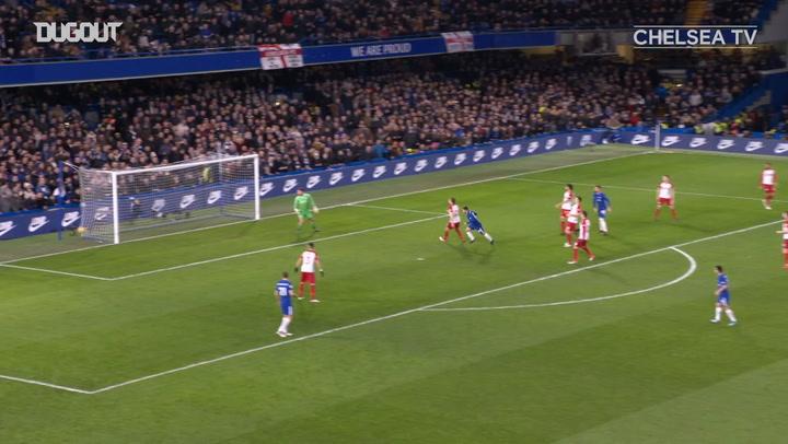 Eden Hazard fires home team-goal vs West Bromwich Albion