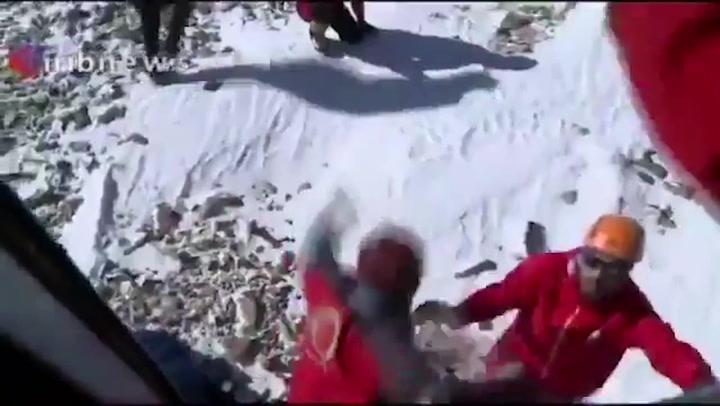 Una serie de avalanchas de nieve en Irán deja al menos 10 muertos