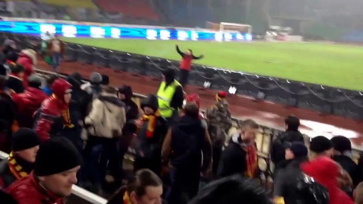 Video: Supportersrellen in Rusland