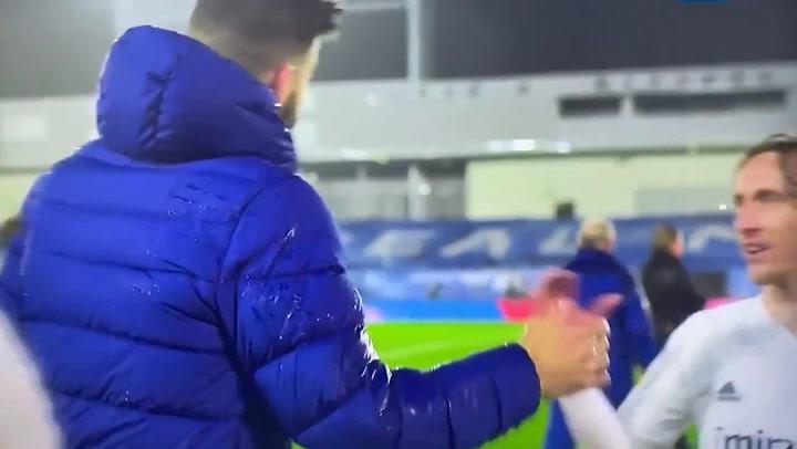 "Modric, a Piqué ""Estás esperando para rajar ahora"""