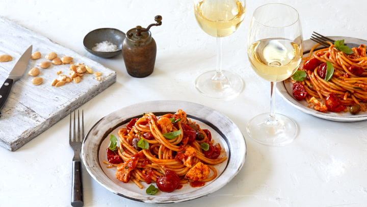 A Perfect Match: Red Sauce Pasta with Cauliflower and a Sicilian White