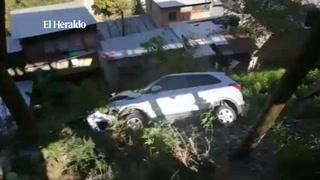 Automóvil cae en un abismo a inmediaciones del puente aéreo Ricardo Álvarez