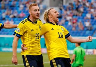 ¡Partidazo! A pesar del doblete de Lewandowski, Suecia saca su casta y evita un duro tropiezo para ganar su grupo ante España