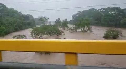Crecida del río Aguán en el municipio de Tocoa