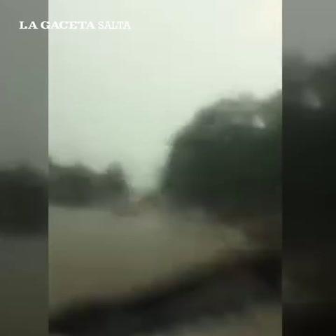 Evacuan a 10.000 personas ante la crecida del río Pilcomayo