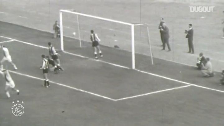 The best goals of Ajax legend Sjaak Swart