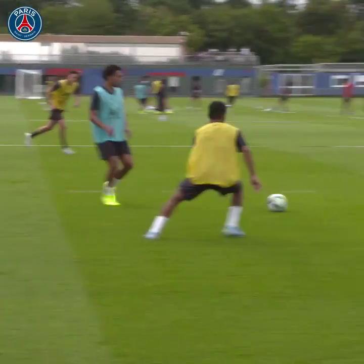 El PSG se entrena con Neymar en el grupo