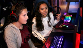 Middle school girls learn about esports careers
