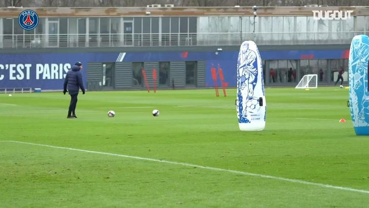 Exhibición de Neymar en el entrenamiento del PSG