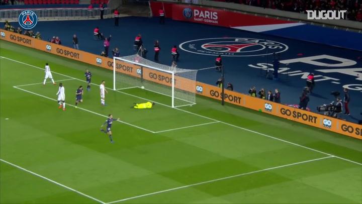 Julian Draxler finaliza una gran jugada colectiva del PSG (2017)