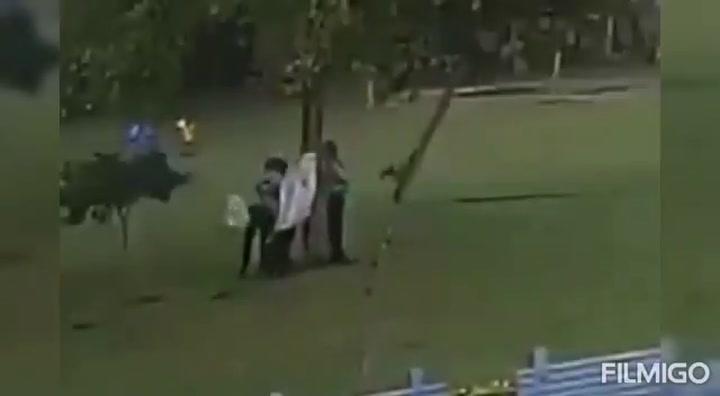 Un rayo mata a una persona y hiere a otras tres en Gurugram (India)