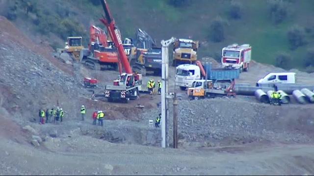 La perforación del túnel vertical para llegar hasta el pequeño marca la  última hora de los trabajos en Totalán 0728613f95ec9