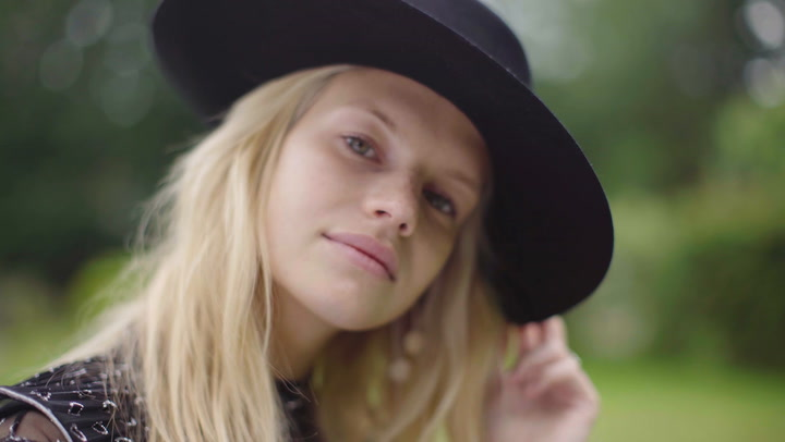 Watch Nadine Leopold on her HFM! cover shoot