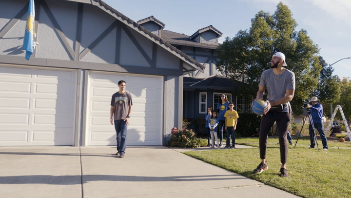 Golden State Warriors' JaVale McGee Takes on Fan in Backyard Game of 'House'