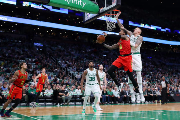 Daniel Theis doing the dirty work driving Boston's 7-game streak