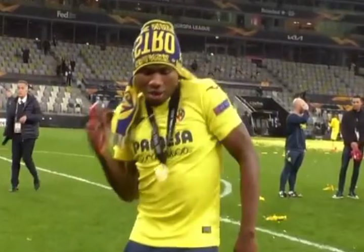 El contagioso baile de Chukwueze tras ganar la Europa League