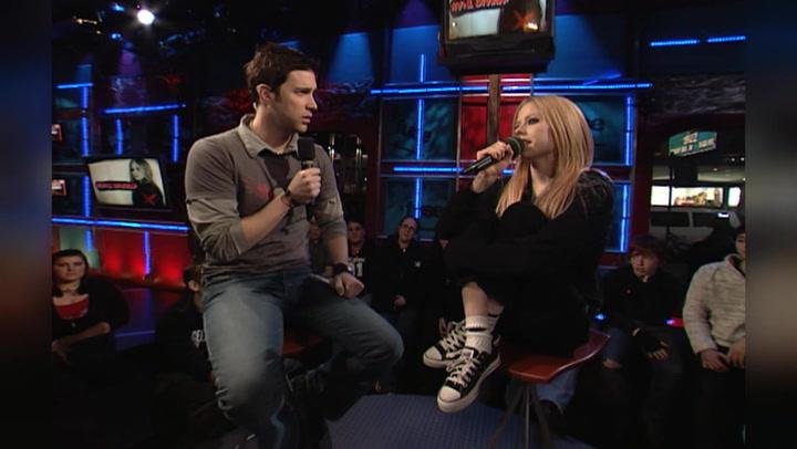Avril Lavigne Details Her Pink Slime Hair Disaster: #TBT