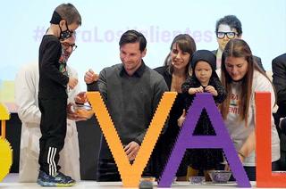 Messi celebra inicio de obras de centro contra el cáncer que financia