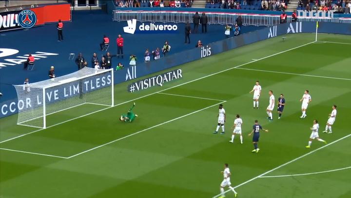 Pablo Sarabia's first goal for Paris Saint-Germain