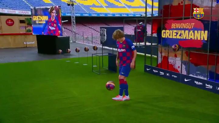 Griezmannm ya 'la toca' con la camiseta del Barça