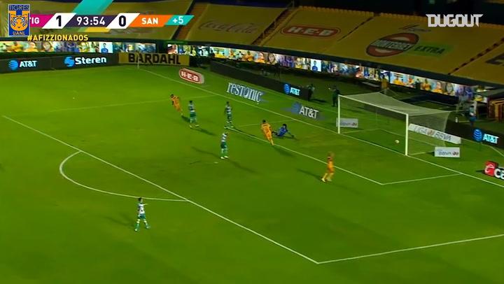 Nico López's great finish vs Santos