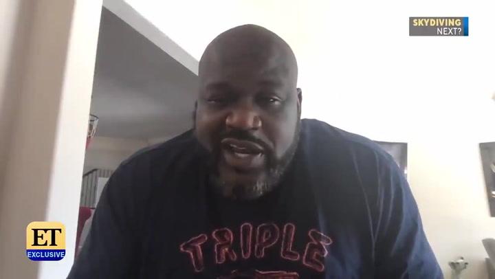 Shaquille O'Neal muestra en la TV su santuario de Kobe Bryant