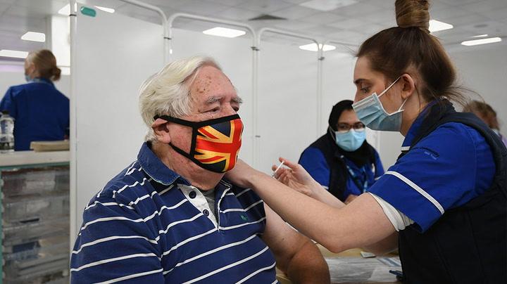 Vacinações Covid-19 do Reino Unido: Números mais recentes