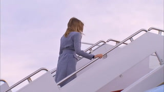 Avión de Melania Trump da media vuelta por incidente mecánico