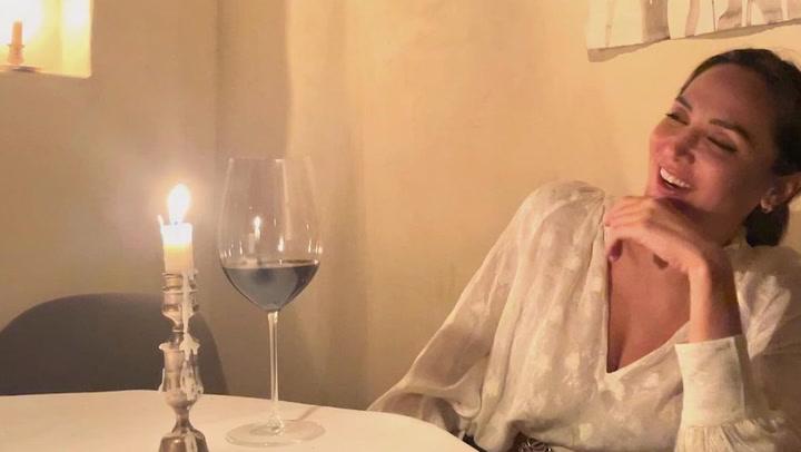 Tamara Falcó e Íñigo Onieva celebran su primer aniversario brindando y pidiendo un deseo