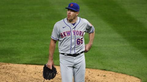 What happened to Mets during opener in Philadelphia?