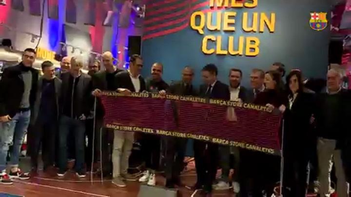 El FC Barcelona el día de la presentación de la 'Barça Store de Canaletas' en el corazón de la Rambla