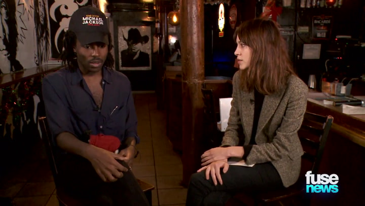 """Shows: Fuse News: Dev Hynes Tells Alexa Chung the """"Color"""" of Her Voice"""