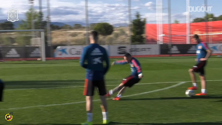 Iago Aspas' free-kick exhibition in training