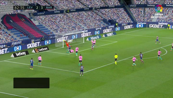 Gol de Sergio León (3-3) en el Levante 3-3 Barcelona