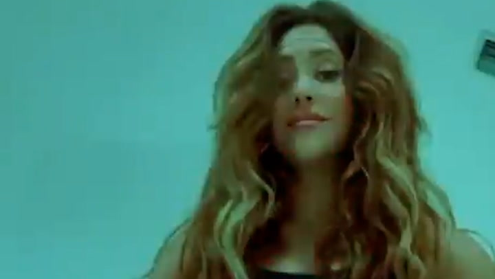 Shakira proves her hips don\'t lie