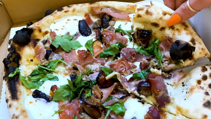 How to make restaurant-quality fig and prosciutto pizza at home