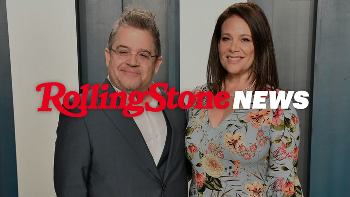 Patton Oswalt, Meredith Salenger Announce New Podcast 'Did You Get My Text?'   RS News 6/2/21