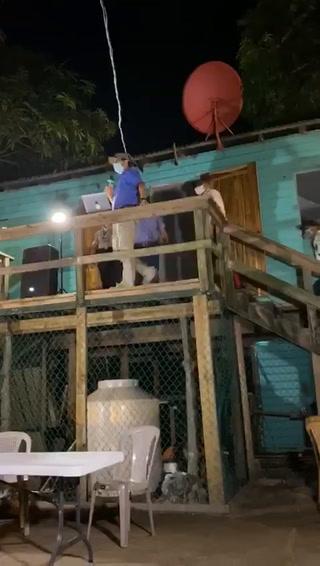 Policía Municipal de Roatán retira a inversionistas de Zede durante supuesta socialización