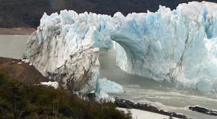 Gigantisk isbre kollapset foran måpende turister
