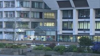 Boris Johnson sale de cuidados intensivos, luego de estar hospitalizado por coronavirus