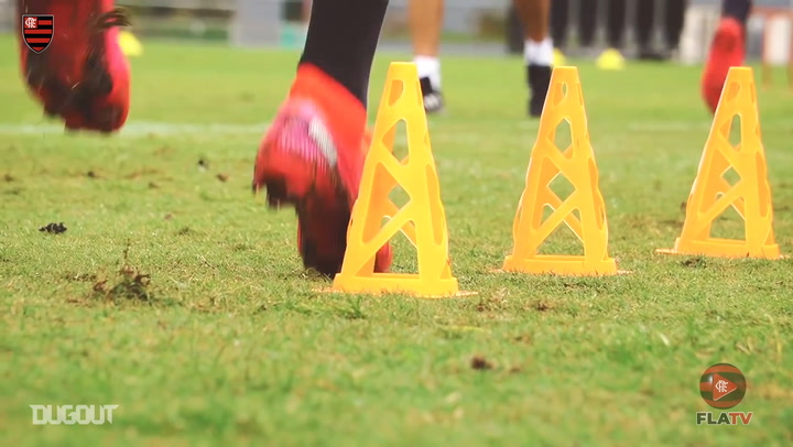 Flamengo completa semana de treinos no Ninho do Urubu