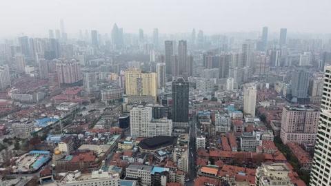 Virus se extiende y se prepara la evacuación de extranjeros de China