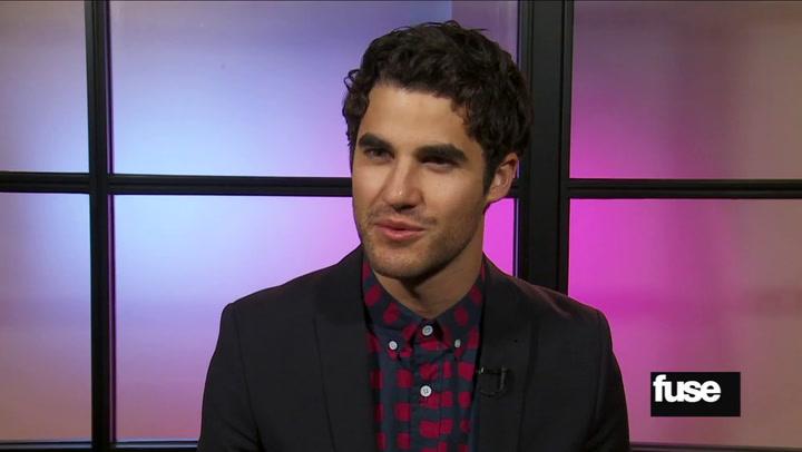 "Interviews: 'Glee' Star Darren Criss Talks President Obama's ""Fist Bumping Etiquette"""